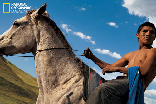 Alumnus Aaron Huey tells Pine Ridge reservation story in National Geographic